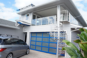 image of aluminum garage door on home by Rayno Hawaii