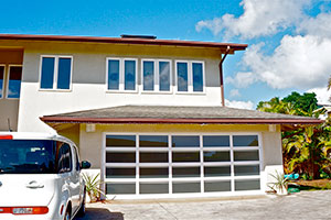 image of aluminum garage door on home by Raynor Hawaii