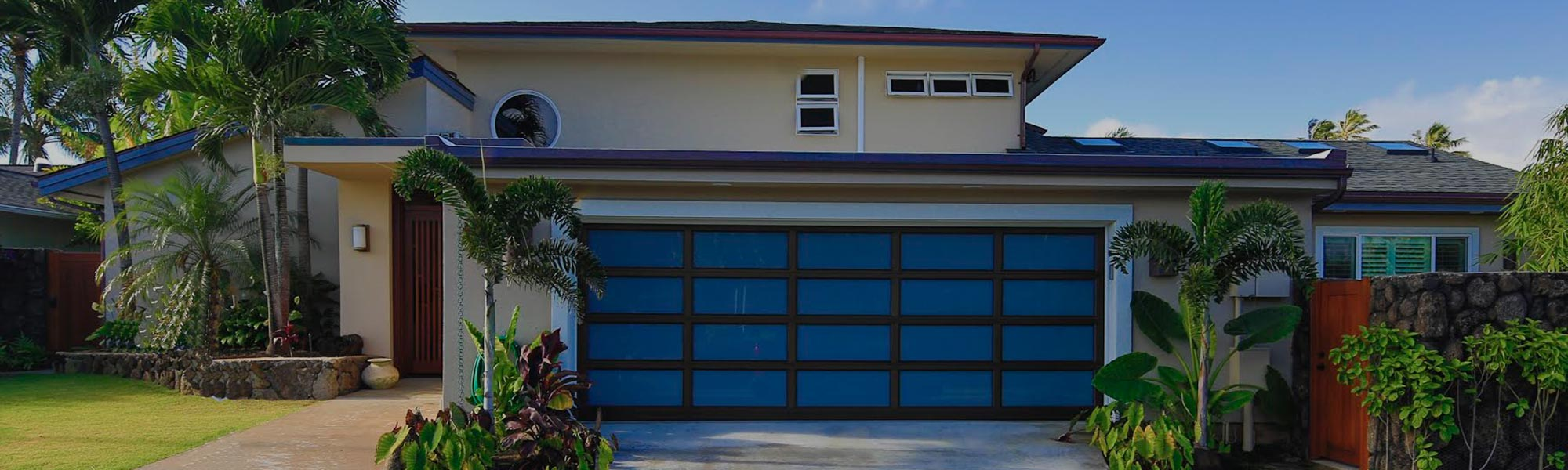 image ogf aluminum garage door on home by raynor hawaii overhead doors