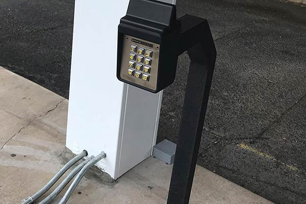 image of gate keypad entry system installed by Raynor